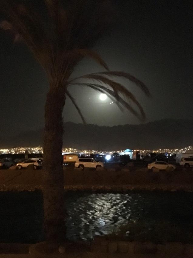 Full Moon Pesaj 2018