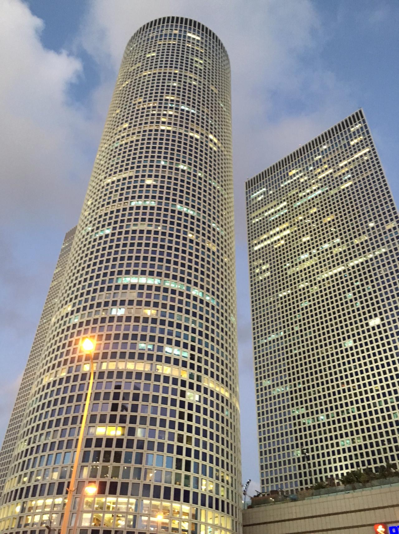 Tel Aviv tall buldgs