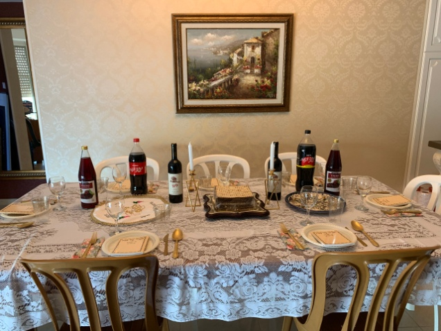 Kormans Seder Table